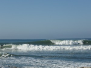It was epic this Morning! If you look close there is a guy standing in the barrel going right..